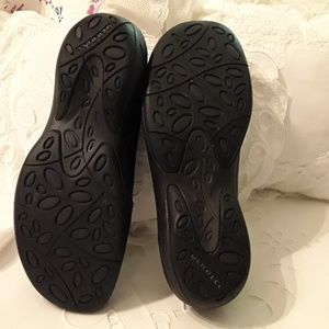 Murrell Shoes - MURRELL LADIES BLACK LEATHER SLIP-ON SHOES, SIZE 7